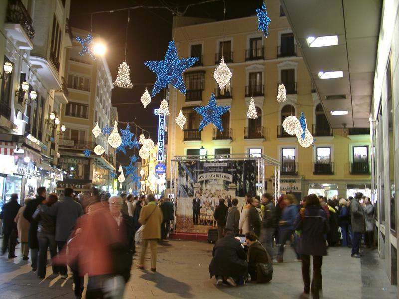Adornos en el centro. Navidad 2004 en Madrid