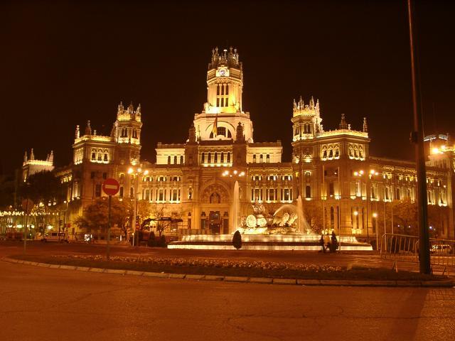 Cibeles y el Palacio de las Comunicaciones. Navidad 2004 en Madrid