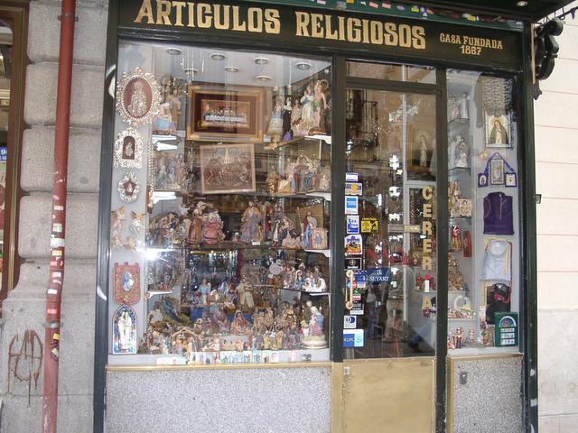 Tienda de belenes. Navidad 2004 en Madrid