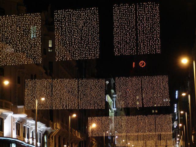 Cascadas de luz en Gran Via. Navidad 2005 en Madrid