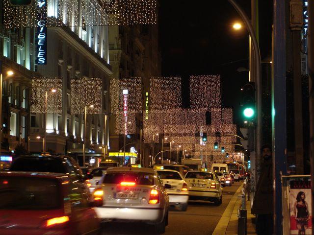 Parrillada en la Gran V_a. Navidad 2005 en Madrid