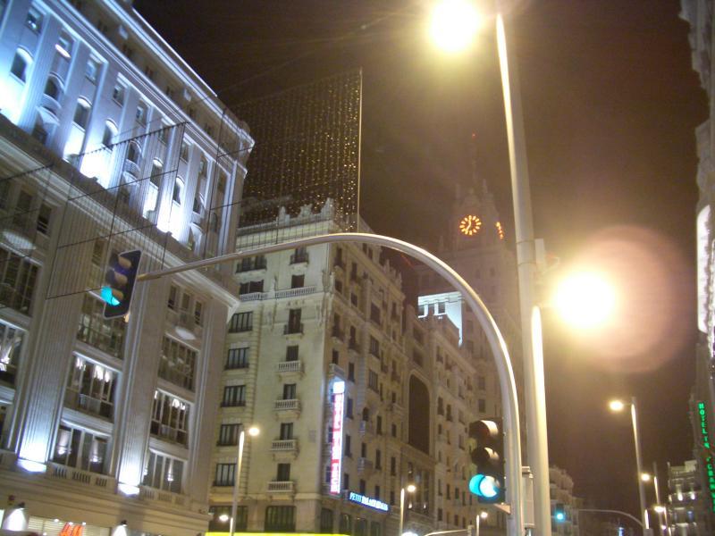 Parrillas apagadas. Navidad 2005 en Madrid