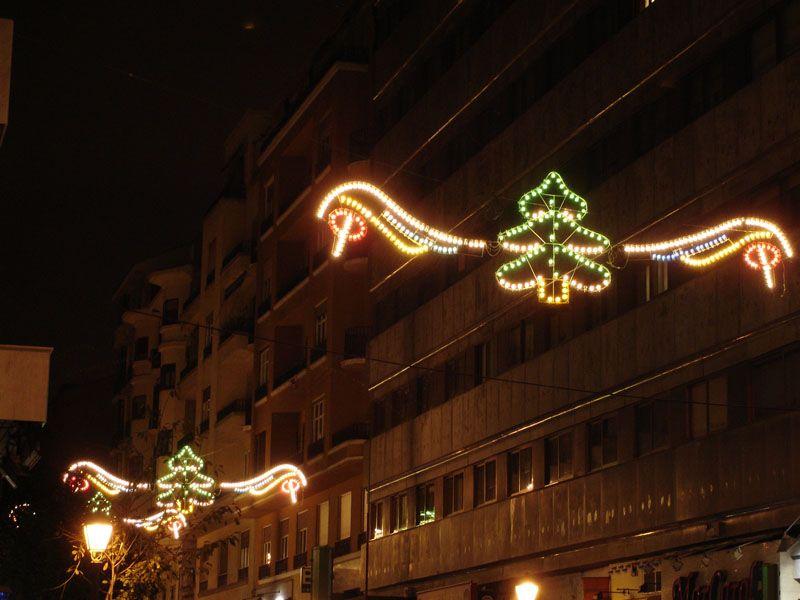 Detalle de abetos luminosos. Navidad 2006 en Madrid