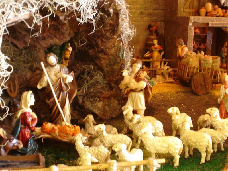 Cueva con el Niño Dios. Belén de Mauricio O. (Guatemala)