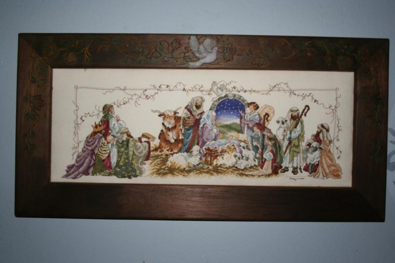 044 Pesebre en punto de cruz, marco de madera. Belén de Maritza Bravo