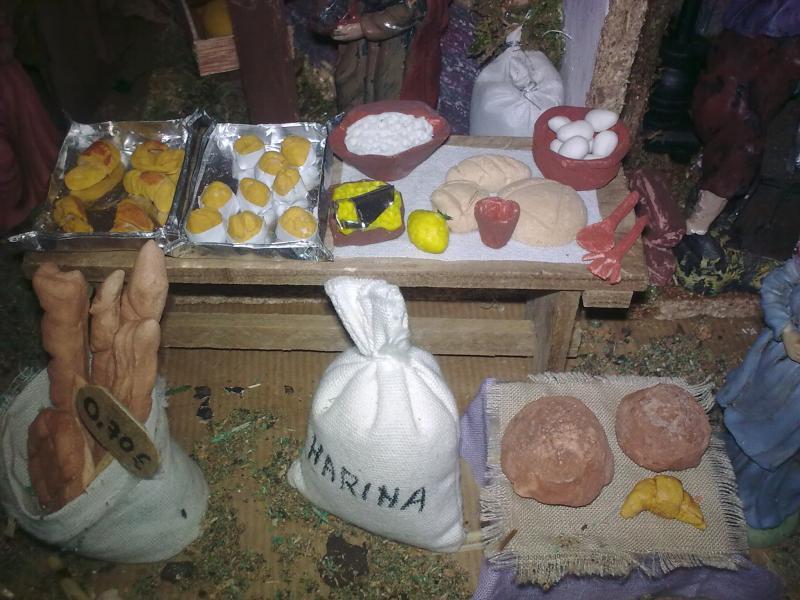 Mesa de fabricacion de pan. Belén de Pepita Mompo