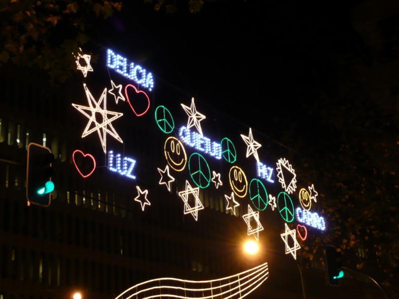 Detalle de las palabras y símbolos. Navidad 2008 en Madrid