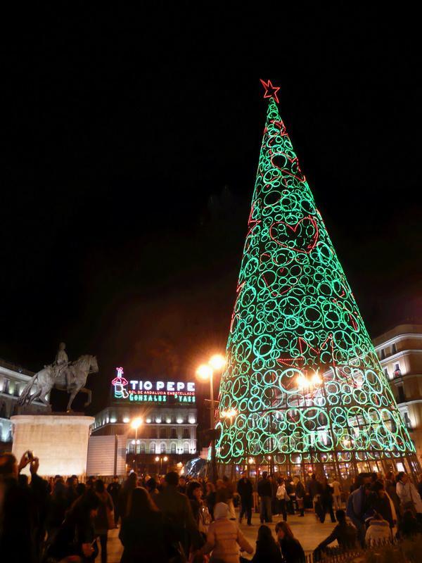 El árbol de la Puerta del Sol. Navidad 2009 en Madrid