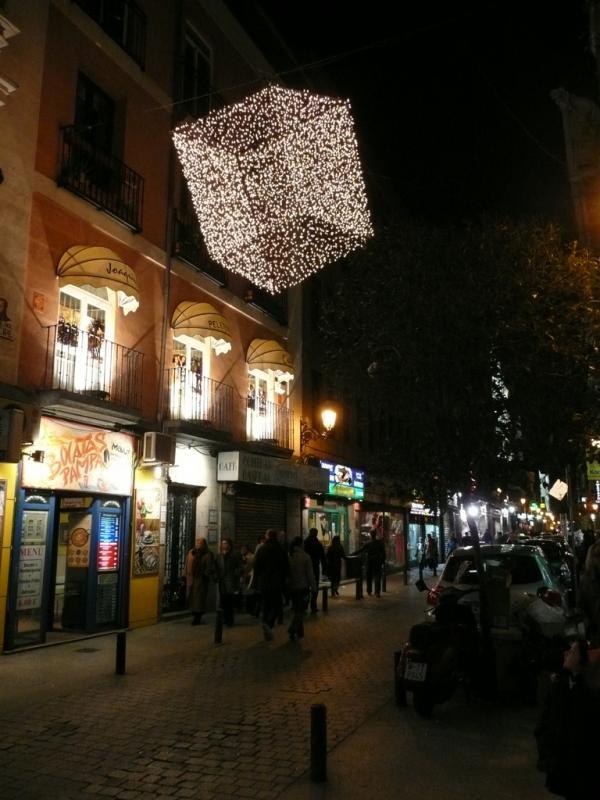 Luces cúbicas. Navidad 2008 en Madrid