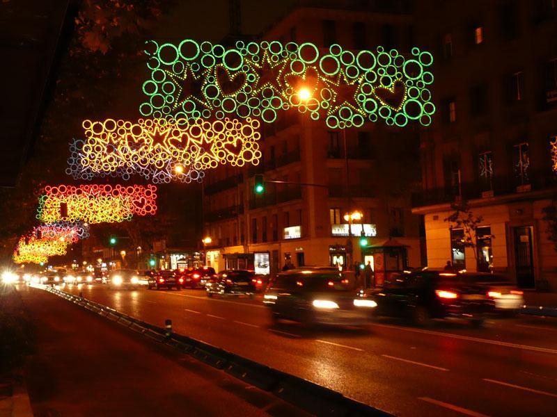 Más corazones y estrellas de colores. Navidad 2008 en Madrid