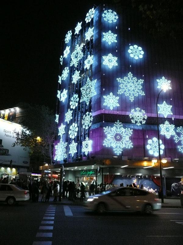Copos de nieve en centro comercial. Navidad 2008 en Madrid