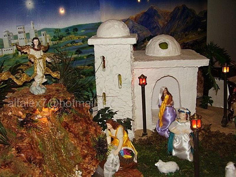 pastores, edificación y casacada. Belén de Alfredo Alexander Flores Juliac (Cumaná)