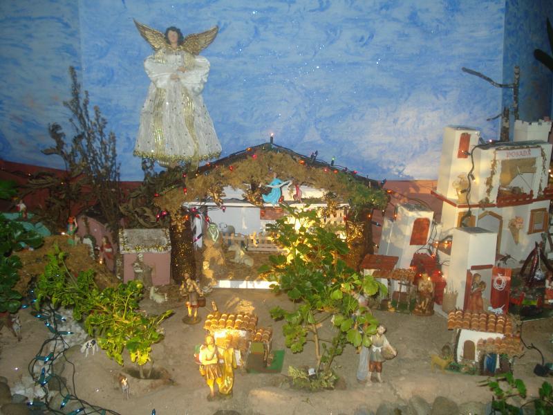 El Pesebre y el Ángel que anuncia la Buena Nueva. Belén de carlos alberto jaramillo (Coclé - Panamá)
