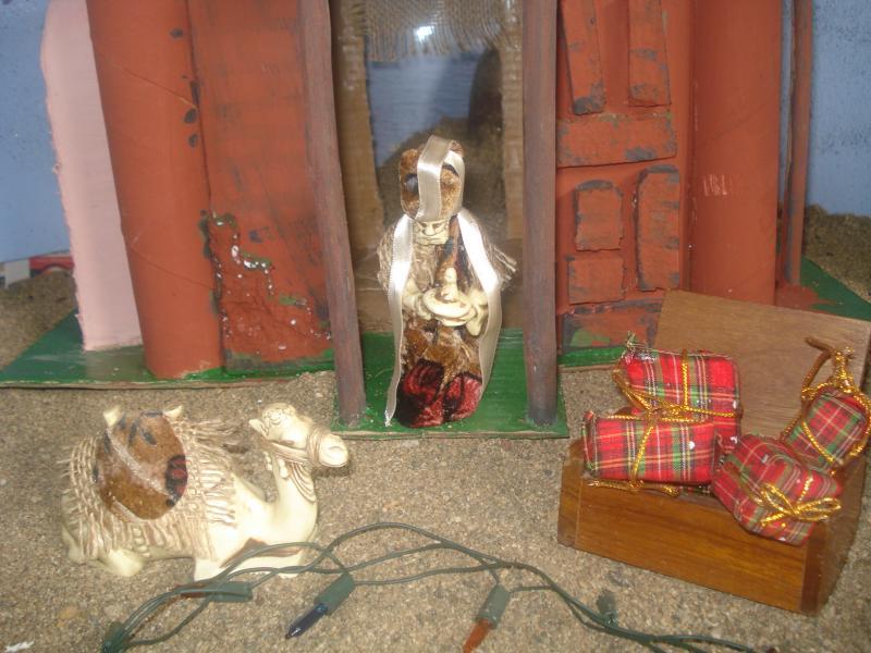 Regalos de los Reyes Magos para el niño Jesús. Belén de carlos alberto jaramillo (Coclé - Panamá)