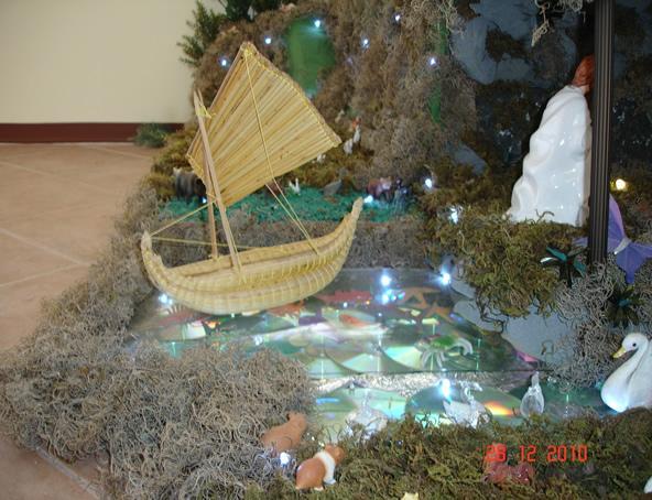 la barca es aporte de una amigo. Belén de Ines Andrango (Ecuador)