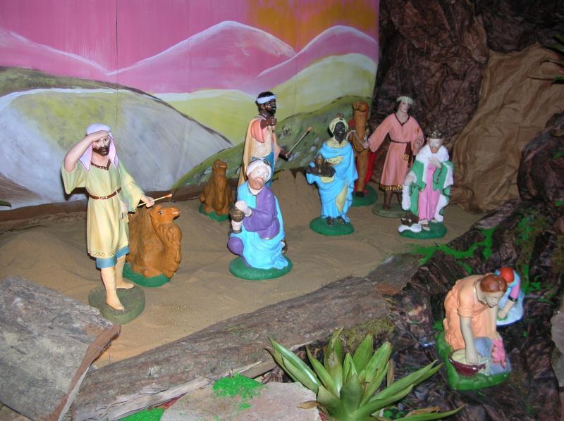 los tres reyes magos y algunos pastores. Belén de Adriana Uzcategui (Valera)