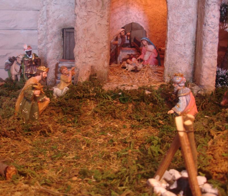 Portal con los Reyes Magos. Belén de julia (Andalucia)
