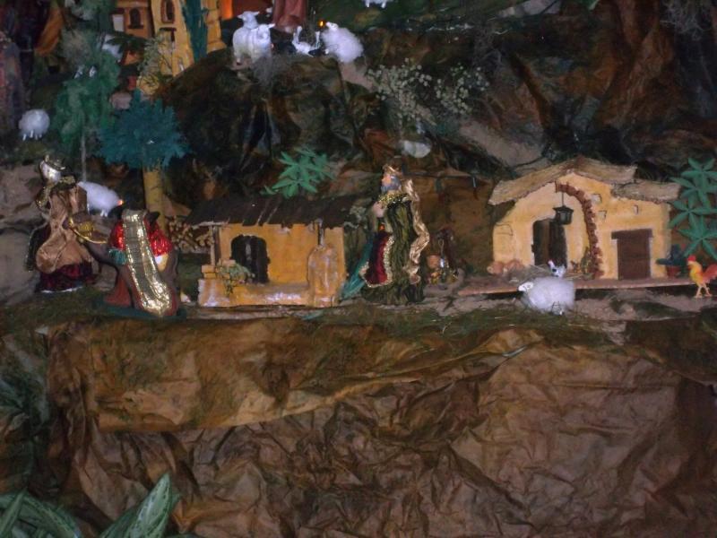 Los reyes se dirigen hacia el portal. Belén de Solarte Mauricio (El Tambo Cauca)