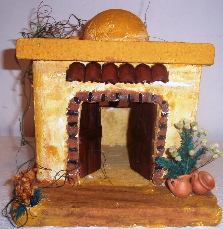 Casa con puerta grande y cúpula. Belén de Solarte Mauricio (El Tambo Cauca)
