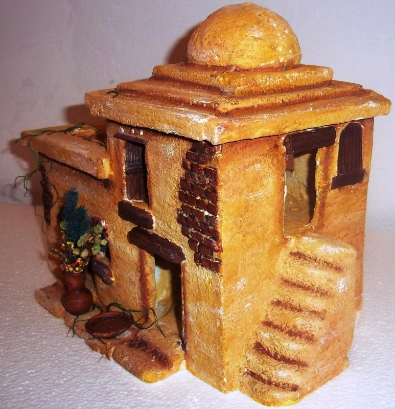 Casa de dos cuerpos con gradas y cúpula. Belén de Solarte Mauricio (El Tambo Cauca)