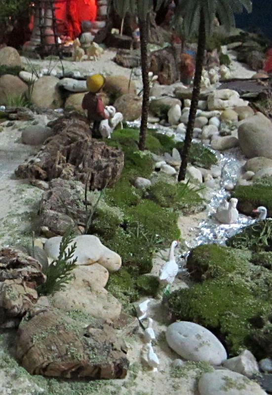 Natureza com patos à noite. Belén de Associação Cultural Fusetense (Fuseta, Algarve)