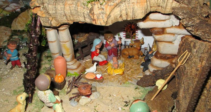 o Estábulo. Belén de Associação Cultural Fusetense (Fuseta, Algarve)