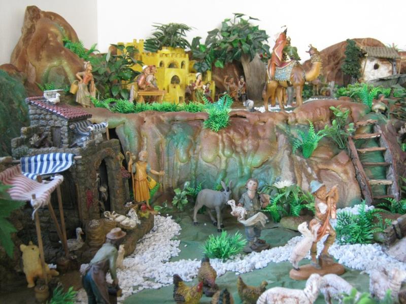 Mirando los reyes pesebre 2009. Belén de Wilson Rios (Cartagena)